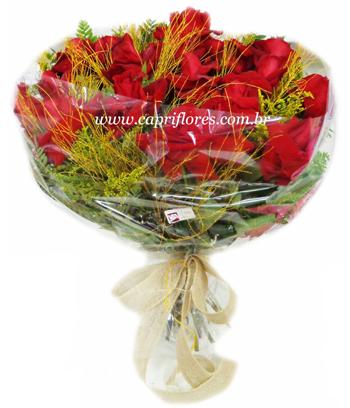 845 Buque de Rosas Dobradas no Celofane