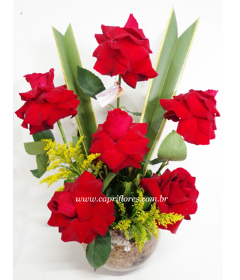 907 ♥ Arranjo de Rosas Dobradas